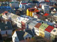 1024px-Reykjavik_rooftops